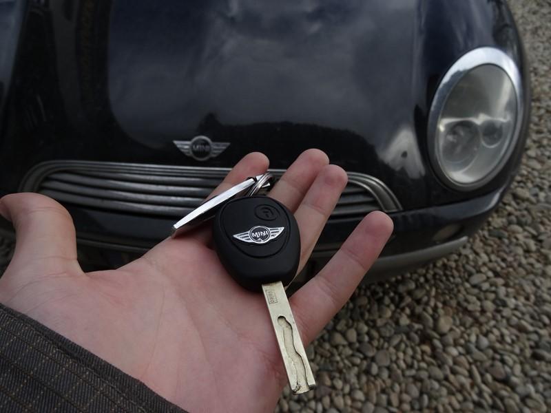 Ключ за Mini Cooper 2003 – Обучение на чип и дистанционно