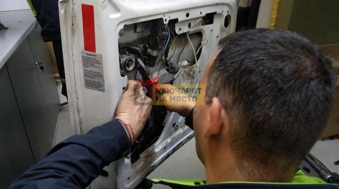 Ремонт на ключалки на VW Caddy