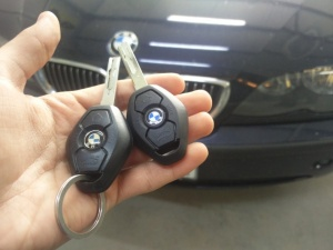 Изработка на ключ за BMW 3
