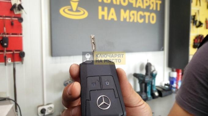 Смяна кутийка на Mercedes Actros